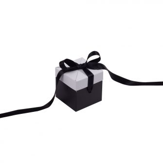 Black and White Small Cube Pop Up Gift Box